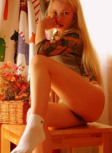Beautiful blonde fit in a amazing pussy picture.