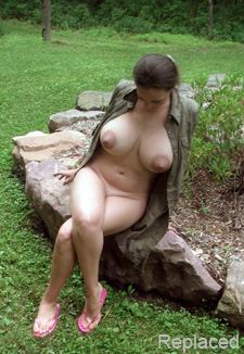 Busty mature BBW naked, big hipps