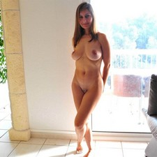 Beautiful lady shows her great body... and so sweet pussy lips
