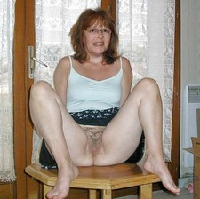 Stunning mature in this incredible beginners picture.