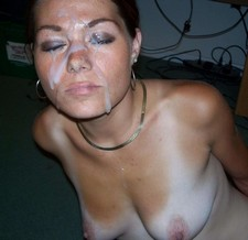 Gorgeous mature in a awesome cumshot pic.