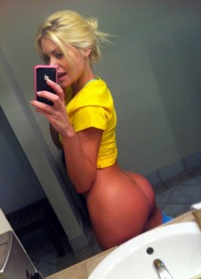 Sexy handsome blonde selfshot her big natural sexy ass and great sexy big tits