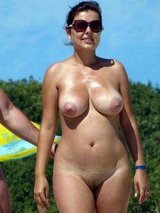 I'd fuck her some beach shots