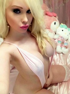 Fabulous blonde teen (18+) in photo.