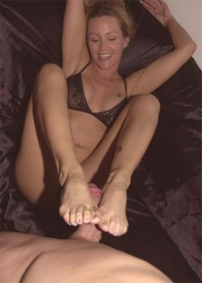 Some exciting footjob from blonde middle-aged lady