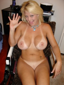 Amazing novice pussy picture with gorgeous blonde mature.