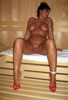 Hot cougars porn scenes!