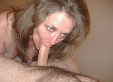 Mature wife sucking hard - homemade amateur porn