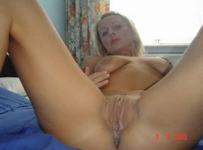 Beauty shows pussy - free amateur porn