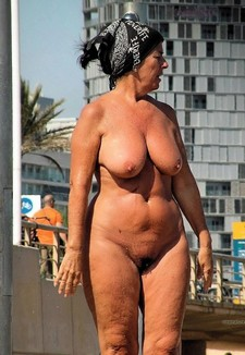 Naked old woman on vacation, amateur exhibs