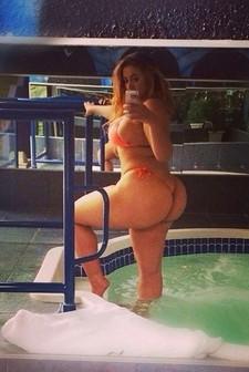 Hot Girls Taking XXX Sexy Selfies.