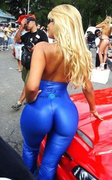 Omg how good huge ass have this sexy blonde milf bimbo
