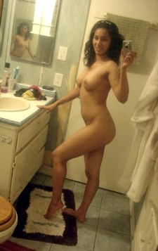 Indian nude sexy hot college girl bathroom self shot image