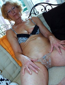 More Sexy Granny erotic pictures