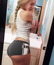 Amateur sexy blonde selfshot her great big ass and big real breasts