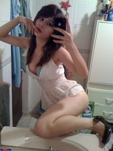 Some lucky Mexibro was kind enough to share some pictures of his sexy girlfriend. I..