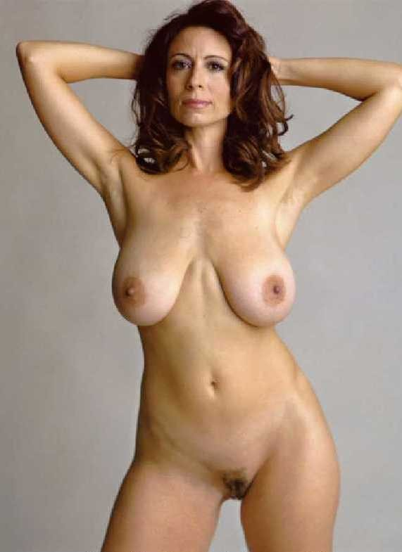 hot busty brunette amateur milf